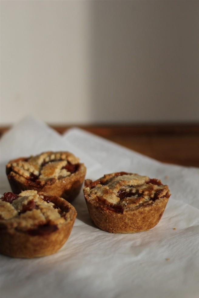 spelt and quince tartlets